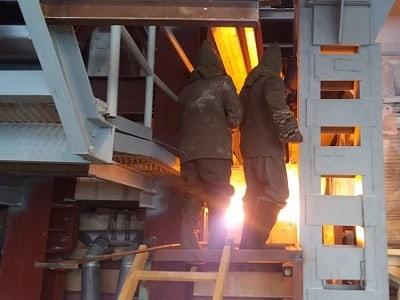 Горячий ремонт замена выносной арки стены Мертле стекловаренной печи