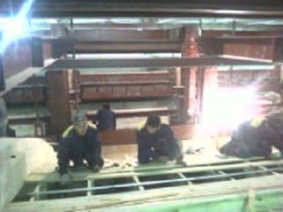 Установка опалубки для кладки главного свода стекловаренной печи